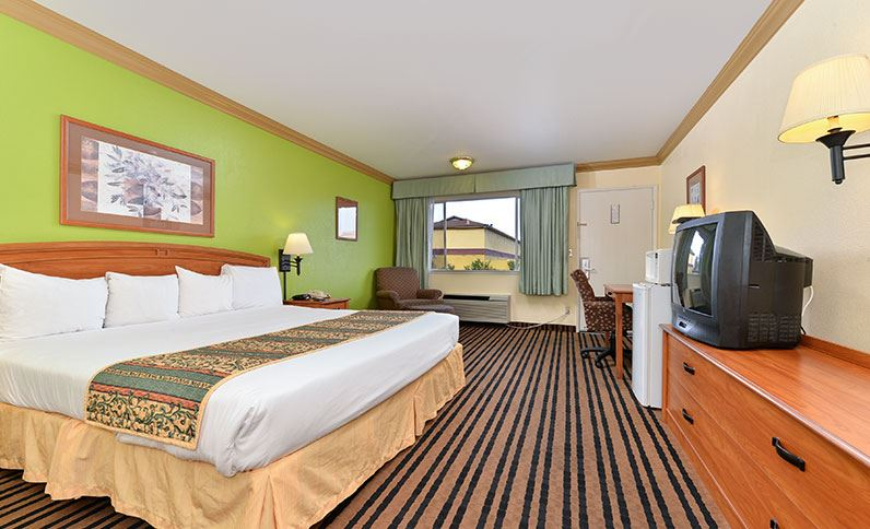 ... Americas Best Value Inn Vacaville Room   One King Room ...